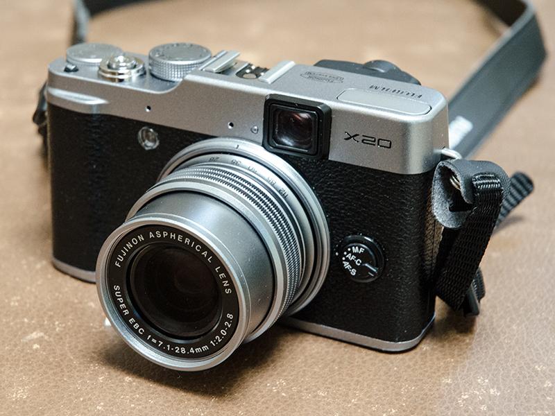 Fujifilm X20 compact camera